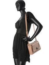 Sac Bandouliere Vintage Cuir Nat et nin Rose vintage BIANCA-vue-porte