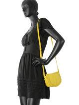 Crossbody Bag Pieces Yellow monica 17080826-vue-porte