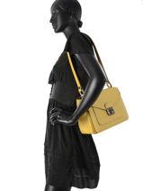 Longchamp Le pliage héritage Hobo bag Yellow-vue-porte