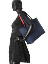 Sac Cabas Anna Reversible Lacoste Bleu anna NF2142AA-vue-porte