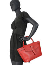 Medium Leather Satchel Néo Charlie Lancel Red neo charlie A10508-vue-porte