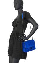 Sac Bandoulière Velvet Milano Bleu velvet VE180602-vue-porte