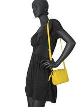 Leather Crossbody Bag Velvet Milano Yellow velvet VE19111-vue-porte