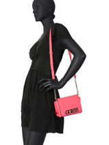 Sac Bandoulière Uptown Chic Guess Rose uptown chic VG730178-vue-porte