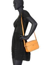 Shoulder Bag Darwin Leather Etrier Orange darwin EDAR09-vue-porte