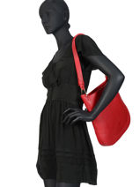 Leather Shoulder Bag Victoria Tyra Nathan baume Red victoria 05-18-vue-porte