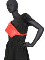 Leather Belt Bag Caviar Crinkles Red caviar 86023-vue-porte