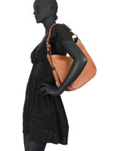 Leather Caviar Shoulder Bag Milano Brown CA20076N-vue-porte