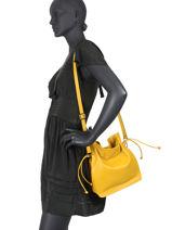 Leather Caviar Bucket Bag Milano Yellow CA20078N-vue-porte