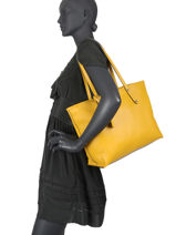 Leather Caviar Tote Bag Milano Yellow CA19111N-vue-porte