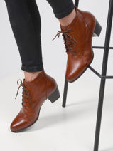 Leather low heel ankle boots-TAMARIS-vue-porte