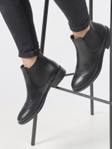 Boots in leather-TAMARIS-vue-porte