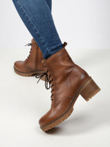 Leather ankle boots in leather-MUSTANG-vue-porte