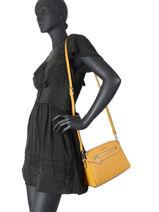Saffiano Crossbody Bag Miniprix Yellow saffiano F6541-vue-porte