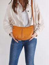 Leather Crossbody Bag Soft Vintage Nova Lancaster Brown soft vintage nova 28-vue-porte