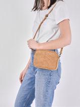 Leather Crossbody Bag Velvet Milano Beige velvet VE19111-vue-porte