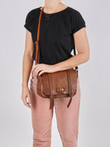 Crossbody Bag Dewashed Leather Milano Brown dewashed DE20121-vue-porte