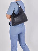 Medium Leather Caviar Shoulder Bag Milano Blue caviar CA1605N-vue-porte