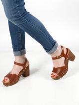 Leather studded sandals-UNISA-vue-porte