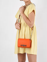 Sac Bandouliere Uptown Chic Guess Orange uptown chic VY730178-vue-porte