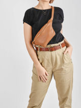 Leather Belt Bag Caviar Crinkles Brown 86023-vue-porte