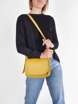 Longchamp Le foulonné Messenger bag Yellow-vue-porte