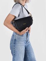 G Dream Saddle Bag Guess Black gdream VB837620-vue-porte
