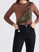 Leather Belt Bag Caviar Crinkles Green caviar 86023-vue-porte
